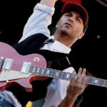 Tom_Morello_Red_Gibson
