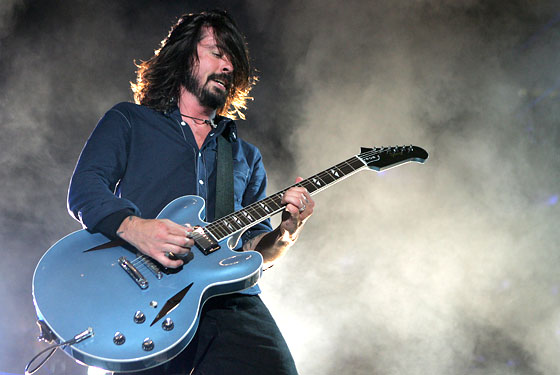 Dave Grohl DG 335