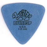 Buddy Guy joue avec un Dunlop Tortex Triangle