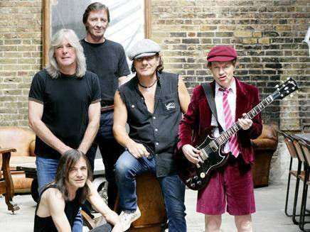 AC/DC avec Brian Johnson au centre