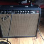 Derek Trucks joue avec un Vibrolux Fender