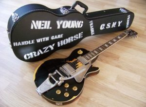 Gibson Les Paul Old Black Signature Neil Young - Pinterest