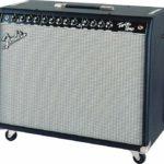 Mayfield joue avec un Fender Twin Amp