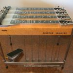Ry Cooder joue avec une Bigsby Tri-Neck Pedal Steel