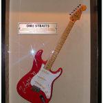 Mark Knopfler possède sa série de Strat Signature