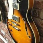 Green joue avec une Tanglewood Memphis AS-35