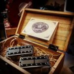 Fripp appose un micro chevalet House of Tone 45