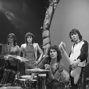 Golden_Earring_-_TopPop_1974_wikipedia