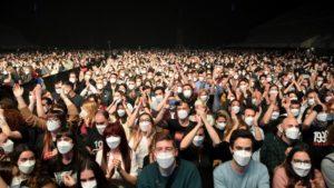 Concert masqué - francetvinfo