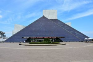 Rock_and_Roll_Hall_of_Fame,_May_2016 - wikipedia