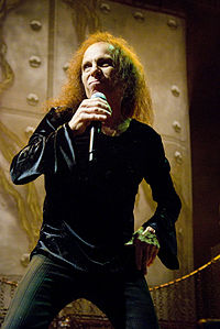 Ronnie-James-Dio_Heaven-N-Hell_2009-06-11_Chicago_Photoby_Adam-Bielawski